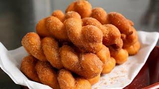 getlinkyoutube.com-Twisted Korean doughnuts (Kkwabaegi: 꽈배기)