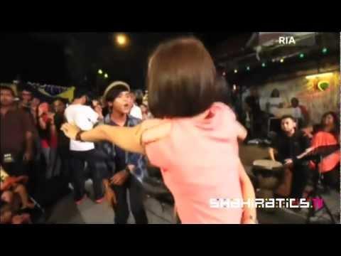 Adira & Hazama - Medley Ilusi & Cinta Teragung @ Akustik Raya 2011