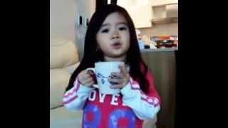 طفلة كورية تنصح الي يكرها