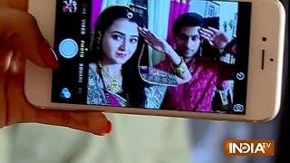 getlinkyoutube.com-Swaragini: Salute Selfie on Independence Day Celebrations - India TV