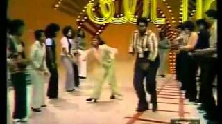 getlinkyoutube.com-Soul Train Line Dance to Jungle Boogie (1973)