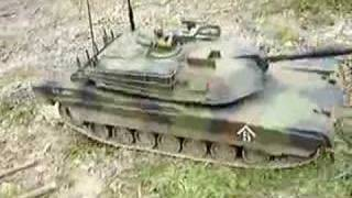 getlinkyoutube.com-RC M1A1 Abrams Tank 1/16th