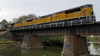 getlinkyoutube.com-Progress Rail Tier IV Demonstrators on NS L82
