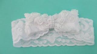 getlinkyoutube.com-Faça você mesma: tiara de renda com  laço de flores para bebê