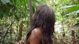 getlinkyoutube.com-Waorani People: Using Blowgun with Poisoned Darts