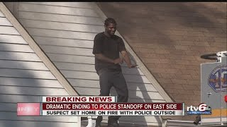 getlinkyoutube.com-VIDEO: Man in police standoff dances on roof