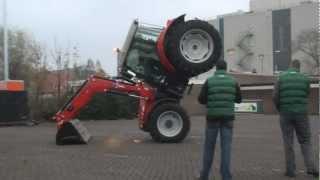 getlinkyoutube.com-Traktor stunt
