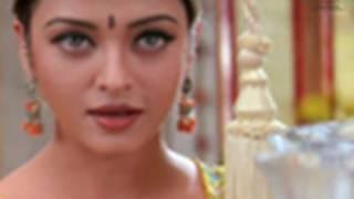 Aishwairya has stunning grey eyes width=