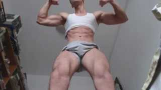 getlinkyoutube.com-Giant Dominant Bodybuilder