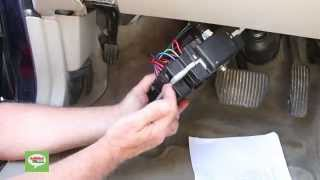 Volvo Central Electronic Module CEM Removal Procedure for XC90, XC70, V70, S60, S80 1999 - 2004
