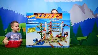getlinkyoutube.com-Hot Wheels МЕГАГАРАЖ Несколько треков, машинки, вертолет Весёлое видео для детей Toy tracks for kids