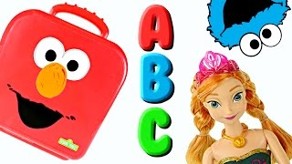 getlinkyoutube.com-Elmo On The Go Letters with Play Doh! Learning Alphabet ABC Cookie Monster Frozen Sesame Street Toys