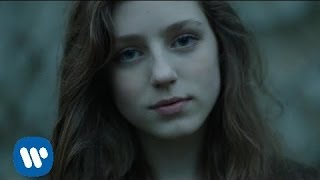 getlinkyoutube.com-Birdy - Skinny Love [One Take Music Video]