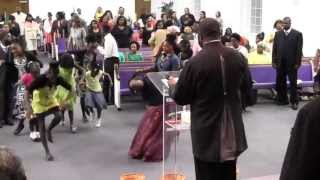 getlinkyoutube.com-Friday Night Youth & Leadership Conference Praise Break