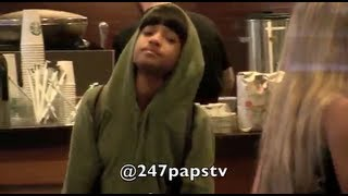 getlinkyoutube.com-Kylie Jenner and Willow Smith go for a Starbucks Run in NYC