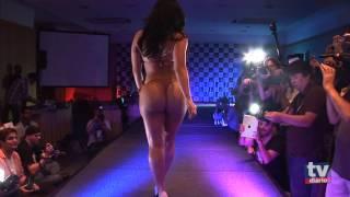 getlinkyoutube.com-Desfile das candidatas do Miss Bumbum 2012