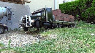 getlinkyoutube.com-tamiya knight hauler moves some bricks