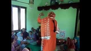 getlinkyoutube.com-Kangra Ladies Dance in Marriage - Pahadi Shadi Dance by Ladies