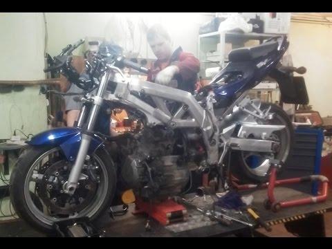 Снимаем двигатель с Suzuki SV1000 за 7 минут. Осторожно, таймлапс)))