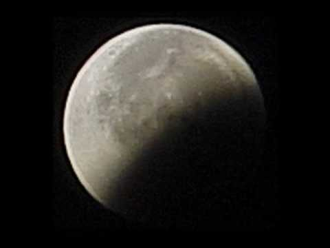 Total Lunar Eclipse - 28 August 2007 (Pink Floyd
