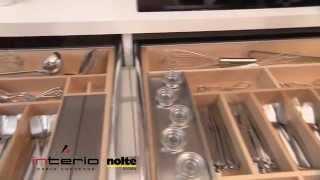 Drewniane wyposażenie szuflad - meble kuchenne Nolte