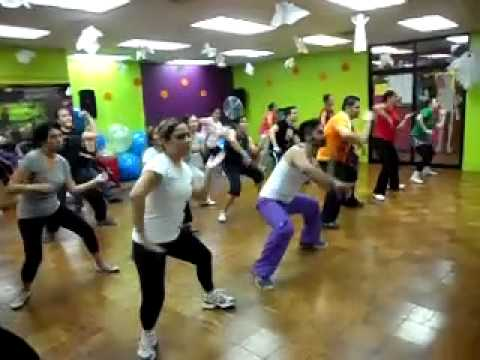 Videos Related To 'zumba Con Oscar Medina'