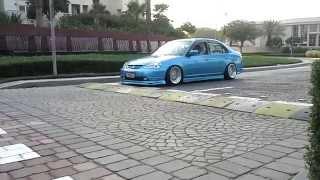getlinkyoutube.com-slammed honda civic vs speed hump----stance