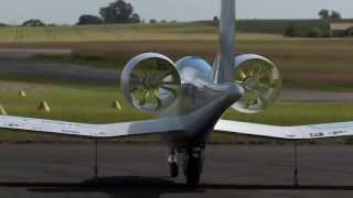 getlinkyoutube.com-EADS E-Fan electric aircraft demonstrator
