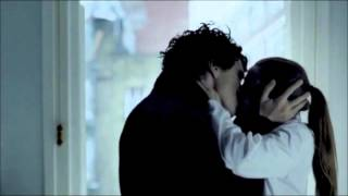 getlinkyoutube.com-The Sherlolly Kiss ...and why it works!