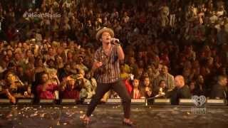 getlinkyoutube.com-[FRAGMENTS] [skips where livestream buffered] Bruno Mars iHeartRadio Music Festival 2013