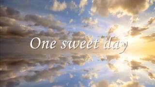 getlinkyoutube.com-One Sweet Day  - Mariah Carey - Boyz II Men
