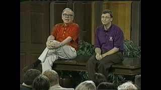 getlinkyoutube.com-Buffett & Gates on Success