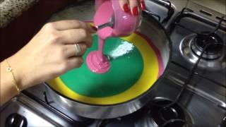 getlinkyoutube.com-Bolo colorido (rainbow cake) - por Carla Marins