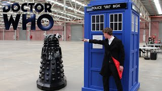 getlinkyoutube.com-Doctor Who TARDIS Prank