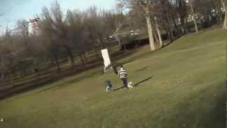 getlinkyoutube.com-عقاب بزرگ هنگام بلند کردن یک کودک از زمین در پارک