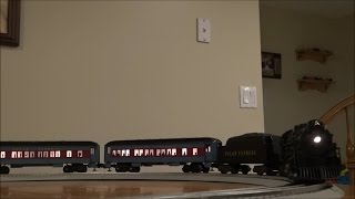 getlinkyoutube.com-Review: Lionel Polar Express O Gauge Set w/LionChief Remote & RailSounds #30218