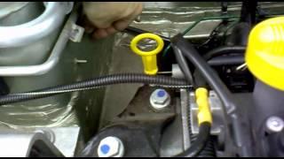 getlinkyoutube.com-Врезка топливного фильтра Renault Logan - II (фаза 2)