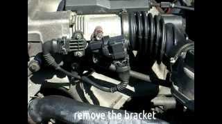 getlinkyoutube.com-BMW E36 DIY - IDLE CONTROL VALVE ( ICV ) CLEANING