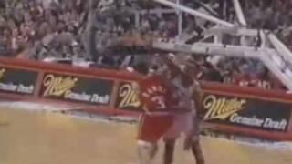 getlinkyoutube.com-NBA Top 10 Facial Dunks of 1995-96