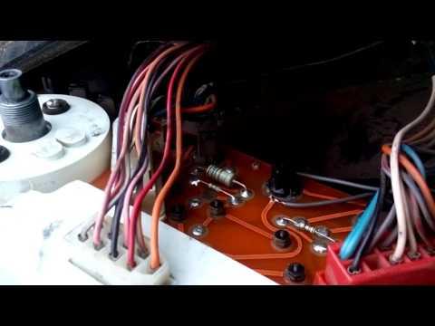 Расположение предохранителя генератора у VAZ 2199