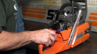getlinkyoutube.com-The chainsaw guy running the 372 X Torq before changing to Big Block