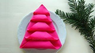 getlinkyoutube.com-Servietten falten: Tannenbaum - Weihnachtsdeko selber machen - DIY Weihnachten Tischdeko