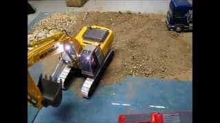 Metal tracks for excavator New Holland E215b or Volvo EC460B 1/32 rc