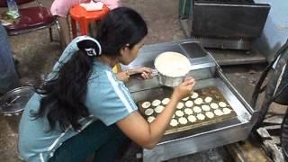 getlinkyoutube.com-เตาขนมไข่ไฟฟ้าแบบเลื่อนซ้ายขวา กล้วยน้ำไทเตาอบ ซอยไผ่