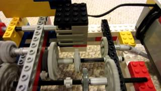 getlinkyoutube.com-LEGO Car With Functioning 3 Speed Manual Transmission With Clutch and Revers
