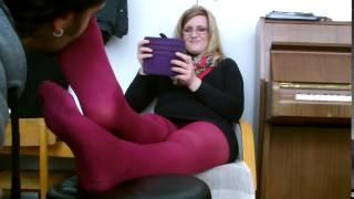 getlinkyoutube.com-she let me sniff her feet