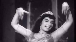 getlinkyoutube.com-Black Cat (1959)- Nashe Mein Ham Nashe Mein Tum (Mohd. Rafi & Suman Kalyanpur)