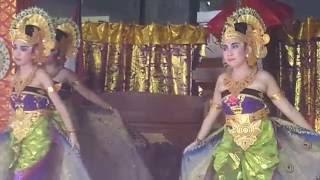 getlinkyoutube.com-Tari Merak Angelo SD 8 Dauh Puri