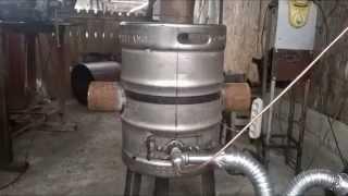 getlinkyoutube.com-Sobita pe ulei ars din butoi de bere din inox
