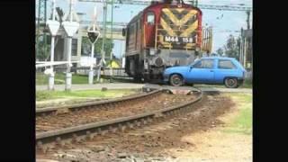 getlinkyoutube.com-Diesel locomotive hits car in a level crossing